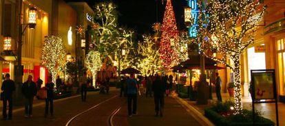 Los centros comerciales con espacios diferenciados, como este de Los Ángeles (EE UU), son los que triunfan