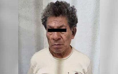 Andrés 'N', de 72 años, quien fue detenido el sábado por el presunto feminicidio de su pareja de 34 años, donde se encontraron restos óseos en varias habitaciones, así como credenciales de elector, ropa y zapatos de mujer.