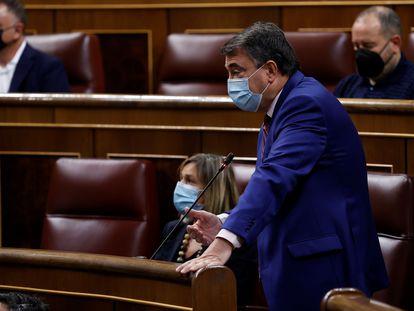 El portavoz del PNV, Aitor Esteban, en su intervención este miércoles en la sesión de control al Gobierno del Congreso.