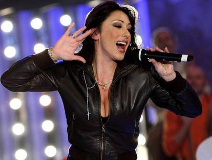 La cantante Sabrina durante una actuación en Milán en 2009