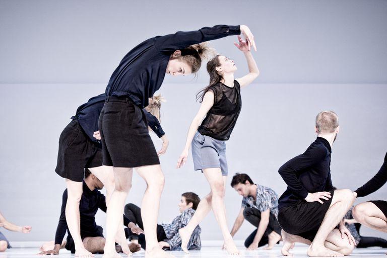 'Figure a Sea', una coreografía de Deborah Hay interpretada por el Cullberg Ballet.