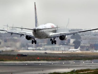 Aviones en el aeropuerto de Manises (Valencia).