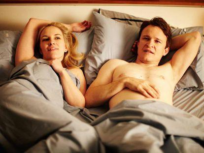 Según un estudio llevado a cabo por científicos americanos, el sexo matutino influye en el rendimiento laboral y mejora las habilidades profesionales. En la foto, una imagen de la película 'The little death'.
