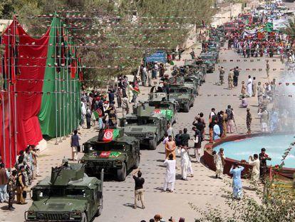 Desfile militar en Kabul, este domingo.