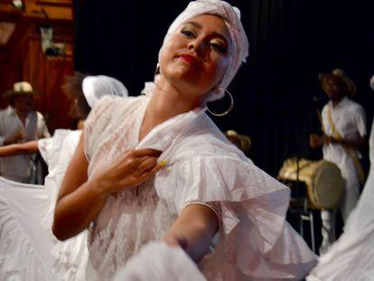Momento de la actuación de Nativos Macondo en las jornadas de presentación del Decenio Internacional de Afrodescendientes.