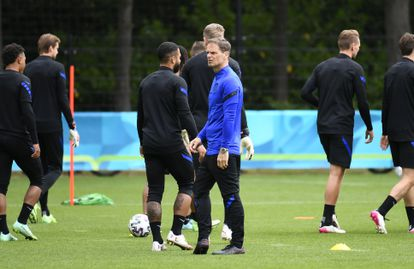 Frank de Boer, durante un entrenamiento de Holanda.
