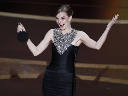 Hildur Guðnadóttir, tras recibir el Oscar a mejor banda sonora por 'Joker'.