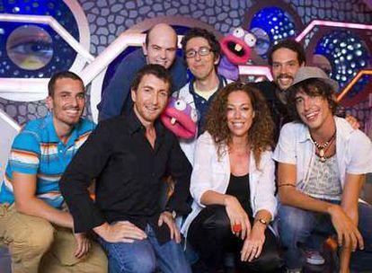 El equipo de <i>El hormiguero,</i> con Pablo Motos, segundo por la izquierda.