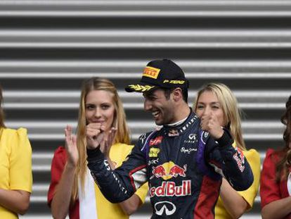 Ricciardo celebra su victoria en Spa.