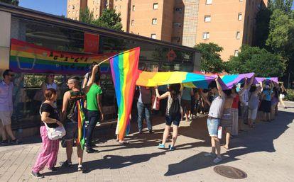 Concentración por la agresión homófoba de San Blas, en el metro de Alsacia.