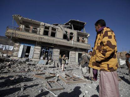 Estado en el que ha quedado un edificio saudí en Yemen (Irán).