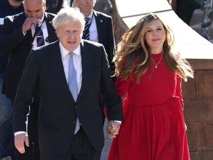 Boris Johnson y su mujer, Carrie Johnson, el pasado 6 de octubre en Mánchester.
