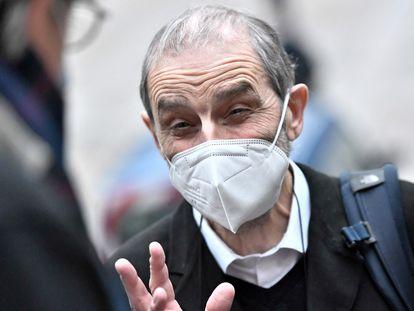El exjefe de ETA José Antonio Urrutikoetxea Bengoetxea, Josu Ternera, a su llegada este lunes al tribunal de Apelación de París