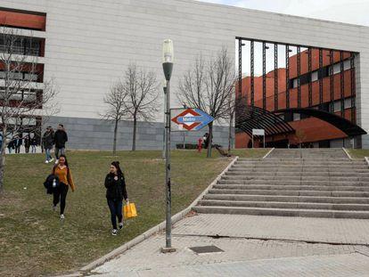 El campus de la Universidad Juan Carlos en Móstoles, ayer.