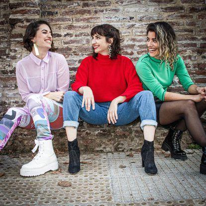 De izquierda a derecha, Dalia Walker, Jimena Outeiro y Laura Passalacqua.