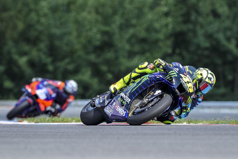 Valentino Rossi rueda en el Gran Premio de Brno de este domingo.