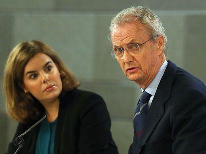 La videpresidenta con el ministro Morenés.