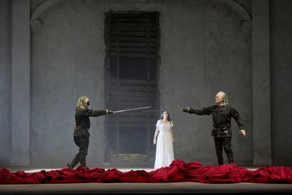 Una escena de la ópera Don Giovanni con el montaje de Chiristof Loy en el Liceo.