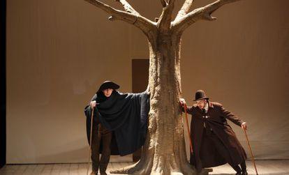 Julio Cortázar y Luis Moreno en 'Entremeses', de Cervantes, en un ensayo en La Abadía.
