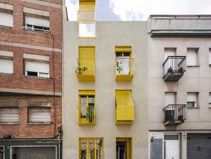 Vista del edificio en el barrio de Horta.