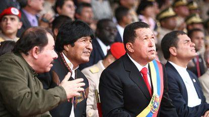 De izquierda a derecha, Daniel Ortega, Evo Morales, Hugo Chávez y Rafael Correa en una cumbre del ALBA, en 2009 en Venezuela.