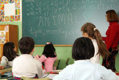 Una clase de inglés en el colegio público bilingüe Tolosa Latour, en el barrio de Vallecas (Madrid).