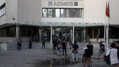 Colas en la entrada a los juzgados de plaza de Castilla, en septiembre de 2020.