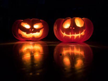 Dos calabazas de Halloween.