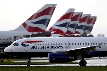 Aviones de British Airways, en el aeropuerto de londinense de Heathrow, en marzo de 2020.