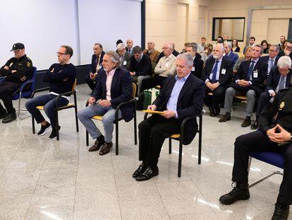 De izquierda a derecha, Álvaro Pérez, Francisco Correa y Pablo Crespo, en la primera sesión del juicio por la contratación de una empresa de la trama Gürtel para la visita del papa Benedicto XVI a Valencia en 2006.