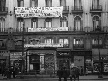 La Puerta del Sol de Madrid, en noviembre de 1936.