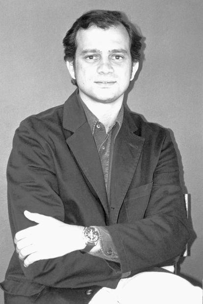 El escritor Miguel Albero Suárez en una imagen de 2004.