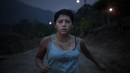 La actriz Marya Membreño interpreta a la Ana adolescente en la película de Tatiana Huezo,  'Noche de fuego'.