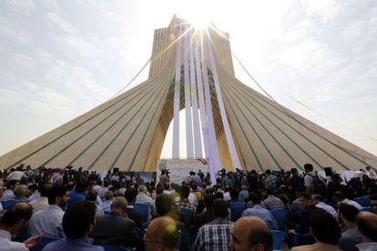 Concentración en la plaza Azadi de Teherán, en apoyo al equipo negociador iraní.