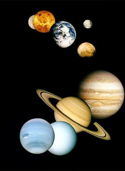 Los planetas Mercurio, Venus, la Tierra (a su derecha su satélite, la Luna), Marte, Júpiter, Saturno, Urano y Neptuno, en una composición de fotos tomadas por ondas espaciales.