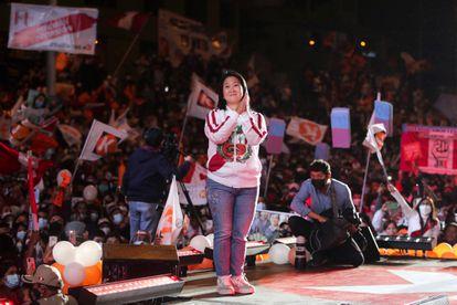La candidata presidencial Keiko Fujimori, en un acto de su campaña este jueves en Lima.