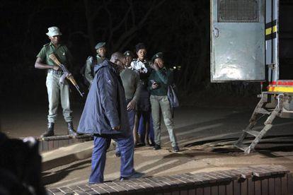 El líder opositor Tendai Biti después de que los tribunales le concedieran libertad bajo fianza este jueves.