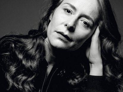 La diseñadora francesa Nadège Vanhee-Cybulski, directora creativa de la división del prêt-à-porter de mujer de Hermès desde 2014.
