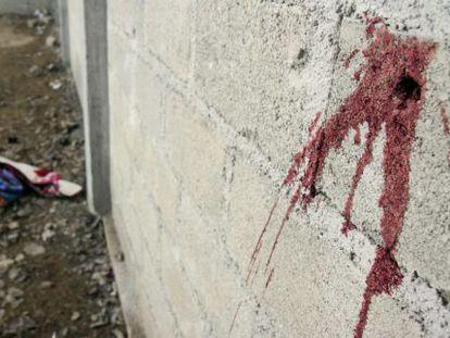 Una de las paredes de la bodega donde se cometieron las ejecuciones en Tlatlaya.