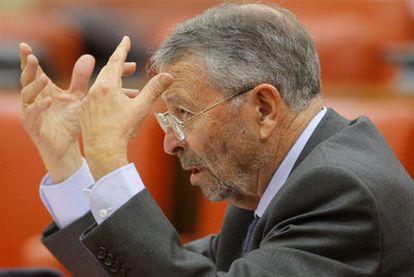 El presidente de RTVE, Alberto Oliart, en una comparecencia parlamentaria.