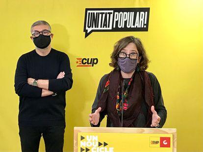 Carles Riera y Eulàlia Reguant, en una rueda de prensa, el pasado mes de febrero.