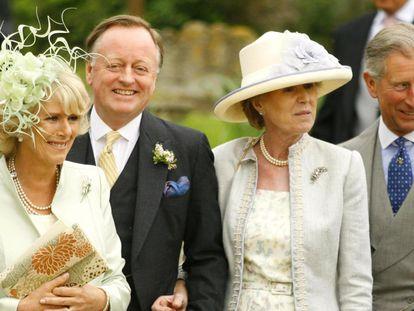 Camila de Cornualles, Andrew Parker Bowles y su mujer, Rosemary, y el príncipe Carlos, en 2006