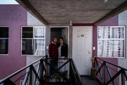 Luisa Orozco y Ángel Gómez, en su nuevo hogar.