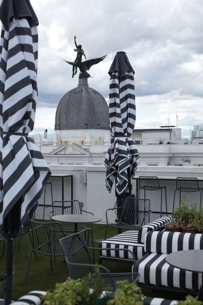 Una de las terrazas del noveno piso del hotel Pestana CR7.  Automóvil club británico