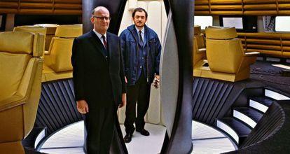 El atuendo de Clarke (izquierda) contrasta con un Kubrick desaliñado.