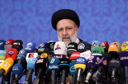 El presidente electo de Irán, Ebrahim Raisí, durante la conferencia de prensa de este lunes.