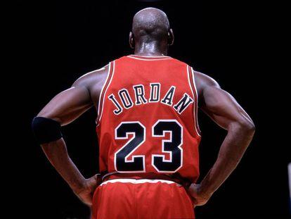 Michael Jordan durante un partido de la NBA de 1997.