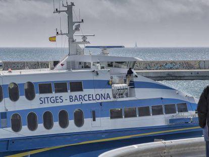 Sortida del Ferri Sitges-Barcelona.
