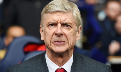 Arsene Wenger, ante el Tottenham.