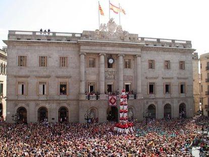 Actuación de los castellers de Barcelona durante las fiestas de la Mercè de 2019.